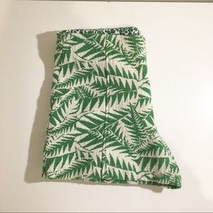 Floral leaves shorts with back zip